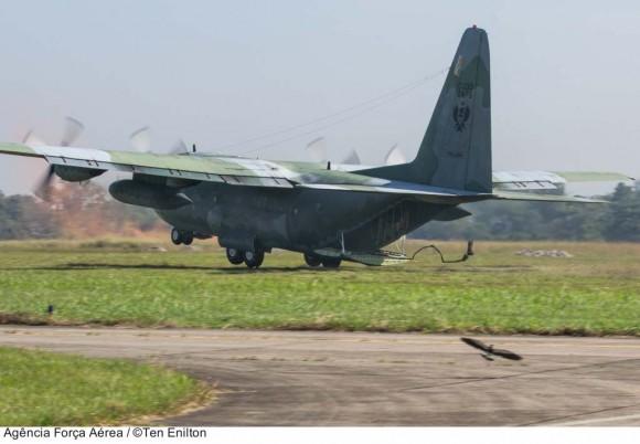 C-130 nos 82 anos do CAN no Cpo dos Afonsos - foto ten Enilton - FAB