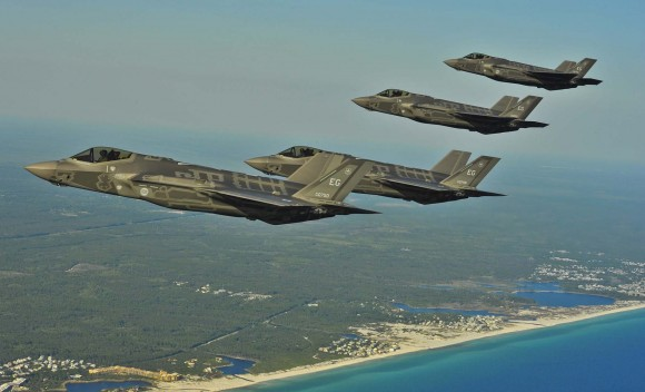 F-35 em voo - foto USAF