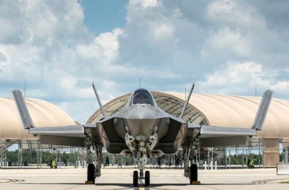 F-35C - primeiro exemplar de produção para a USN chega à Base de Eglin da USAF - foto 3 Lockheed Martin