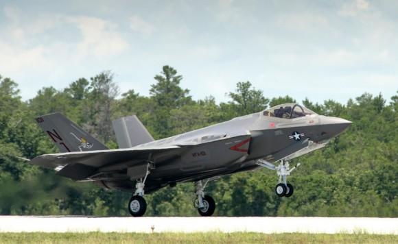 F-35C - primeiro exemplar de produção para a USN chega à Base de Eglin da USAF - foto 5 Lockheed Martin