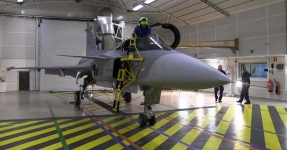 Inspeção em Gripen tcheco - cena 2 de vídeo da FMV