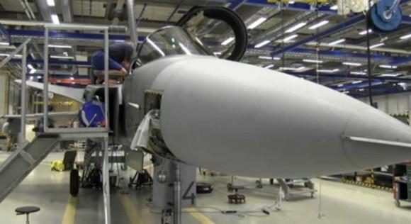 Inspeção em Gripen tcheco - cena de vídeo da FMV
