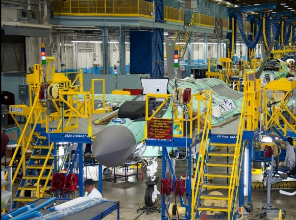 Linha de montagem F-35 - foto Lockheed Martin
