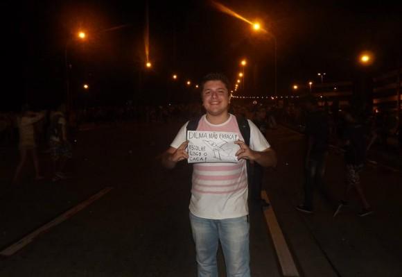 Protesto pacífico pró - F-X2 em Vitória - ES