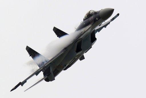 Su-35 em Le Bourget 2013 - foto P Rossignol - Reuters