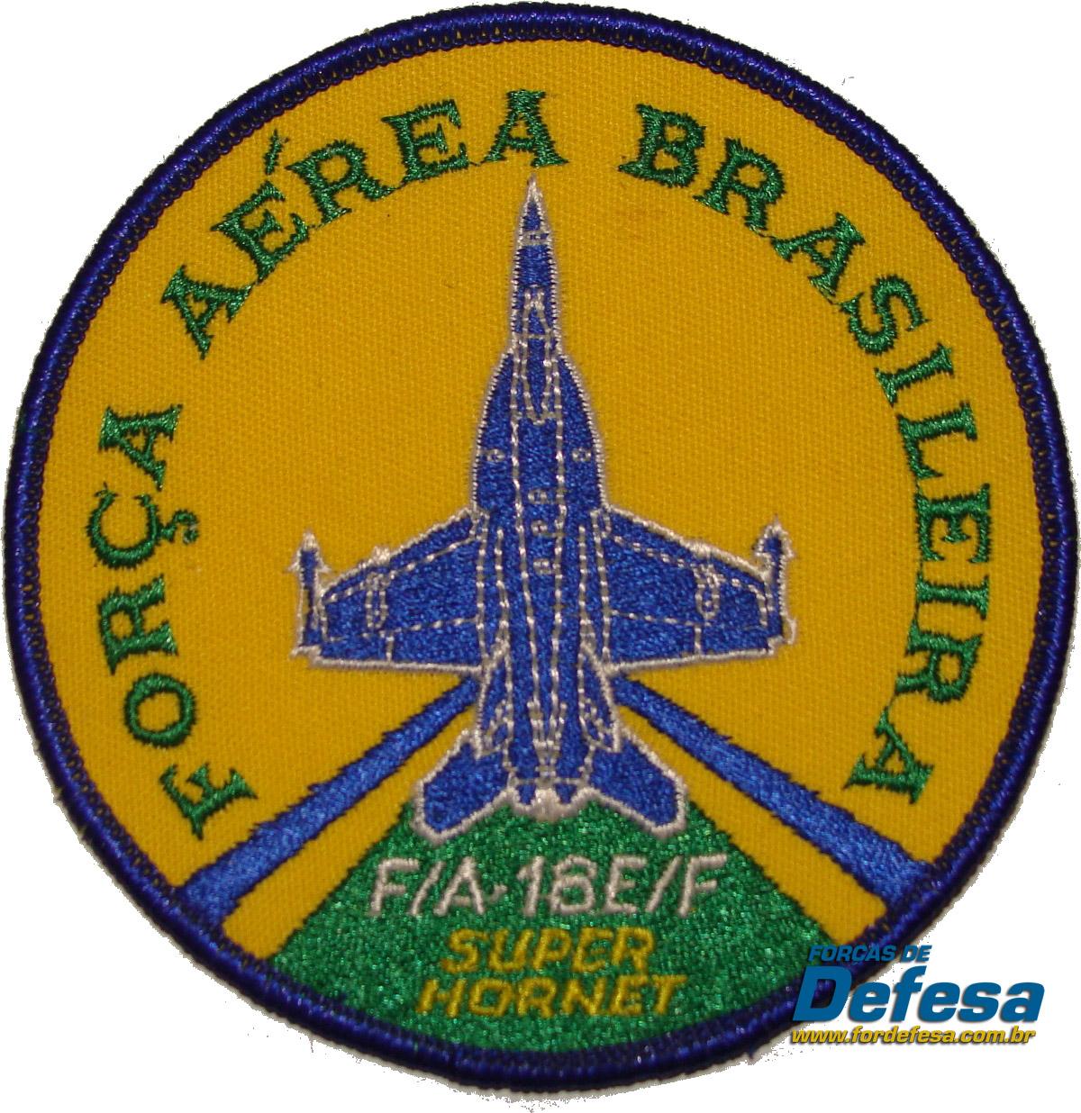 bolacha do F-18 com as cores da FAB