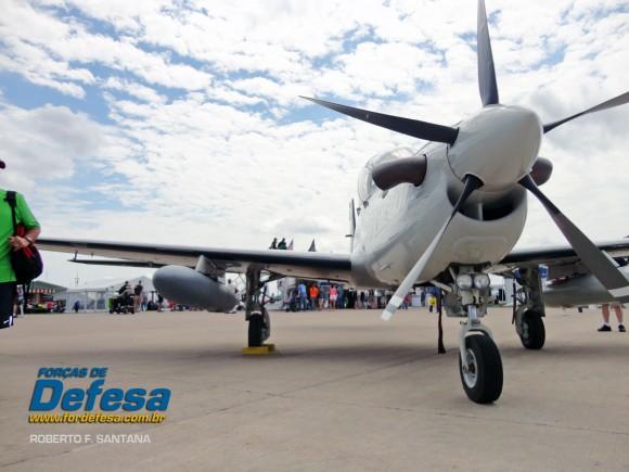 A-29 Super Tucano Oshkosh 2013 - foto RF Santana 5
