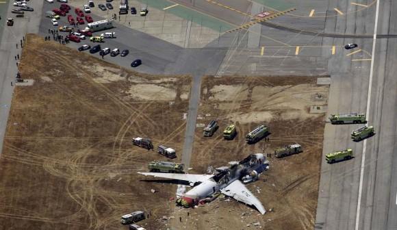 Acidente voo Asiana Airlines Boeing 777 em San Francisco - foto 2 AP via G1