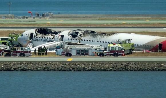 Acidente voo Asiana Airlines Boeing 777 em San Francisco - foto 3 AP via G1