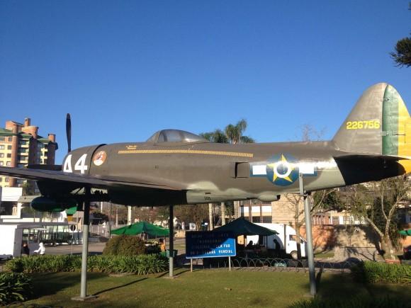 P-47 A4 Torres - foto via Galeao Cumbica