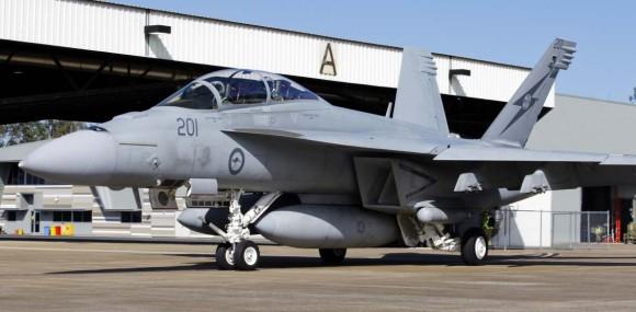 Super Hornet da RAAF em Amberley preparando-se para decolagem no Talisman Saber 2013 - foto MD Australia