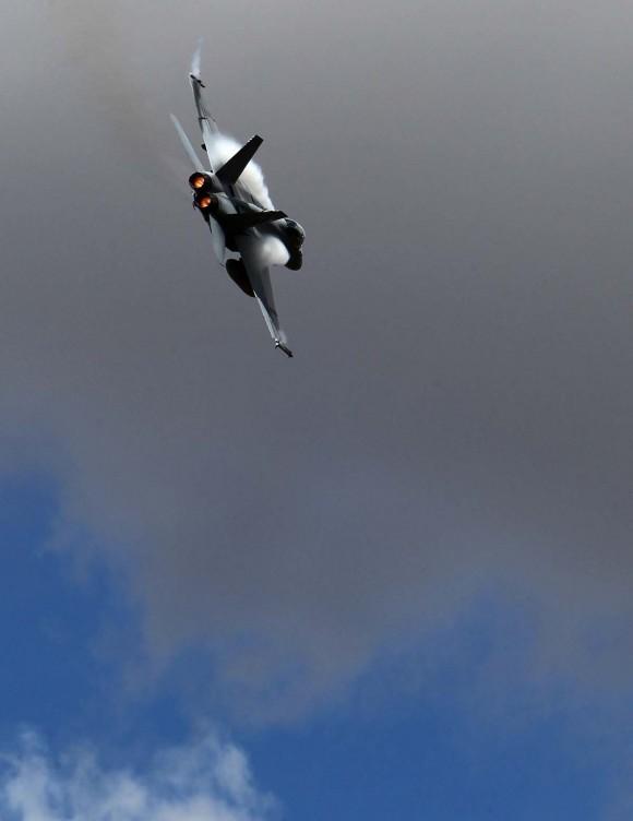 Super Hornet no V8 Supercar - foto MD Australia