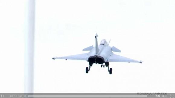 Voo de apresentação comentado do Rafale - Paris Air Show 2013 - cena vídeo Dassault