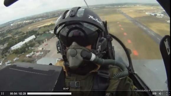 Voo de apresentação do Rafale visto do cockpit para o Paris Air Show 2013 - cena vídeo Dassault