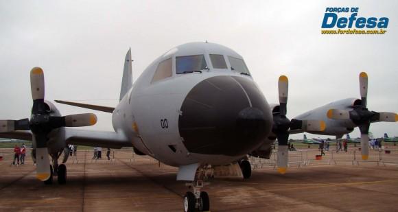 P-3AM da FAB na AFA em 2012 - foto Nunão - Forças de Defesa