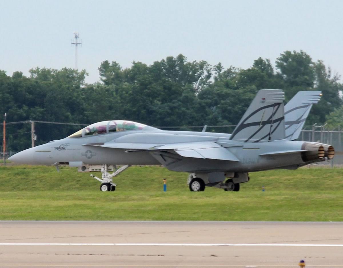 primeiro voo de Super Hornet com CFT - foto aeroexperience 3