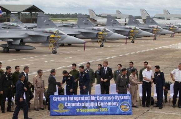 Cerimônia de comissionamento Gripen 11set2013 - foto via Bangkok Post
