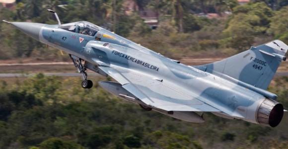F-2000 - foto Cecomsaer via Notaer FAB