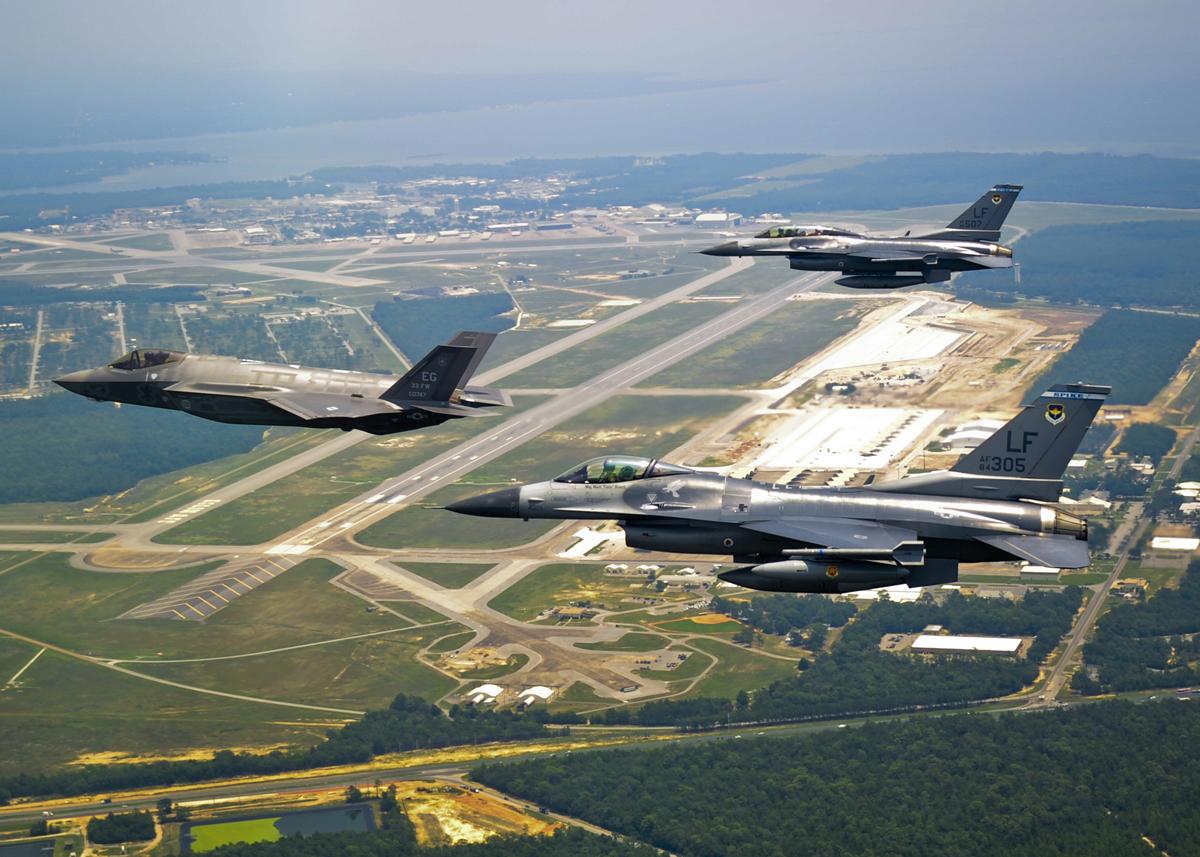 Primeiro F-35A a chegar em Eglin AFB - foto USAF