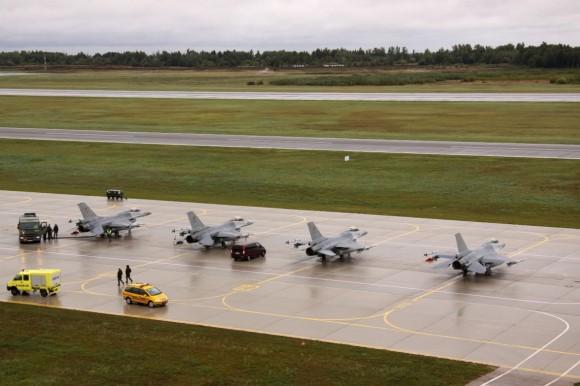 caças  F-16 belgas em Siuliai - foto MD Lituânia