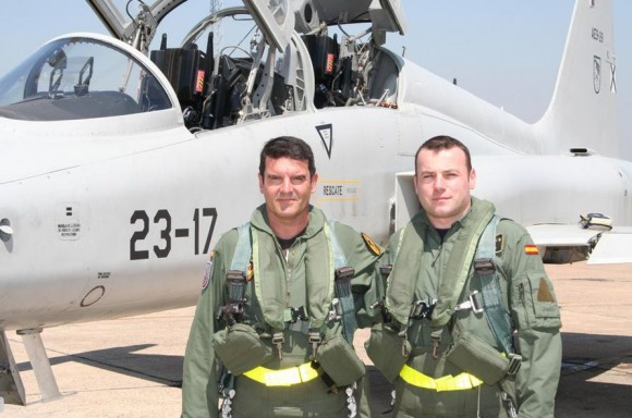 ten cel Jesús Antonio Caballero alcança 4000 horas de F-5 - foto Força Aérea Espanhola - Ejercito del Aire