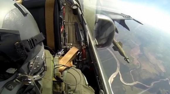 A-1 lança bomba laser - cena vídeo FAB