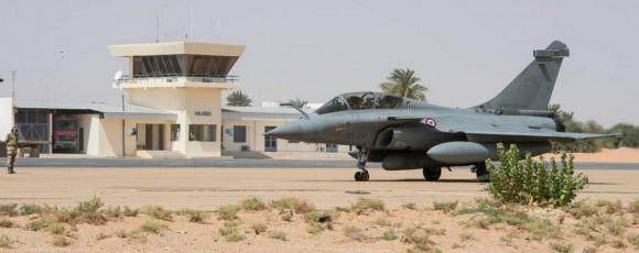 Caças Rafale fazem desdobramento em Faya-Largeau - foto 5 Força Aérea Francesa