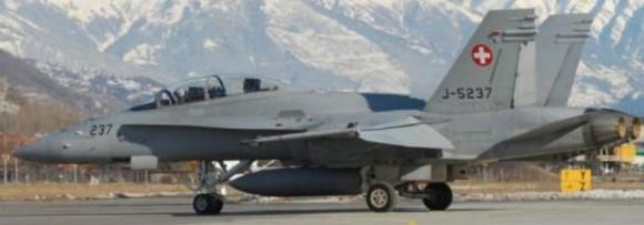 F-18 D - foto Força Aérea Suíça