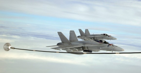 F-18C da Finlândia no Artic Challenge 2013 - foto USAF