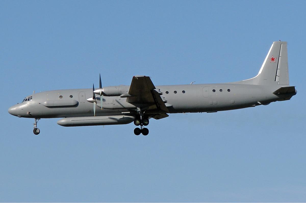 Ilyushin_Il-20M_(2)