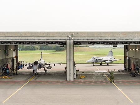caças Gripen suecos em Payerne para apres Axalp 2013 - foto Depto Defesa Suíça