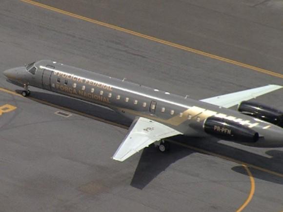 Avião da Polícia Federal em Pampulha - imagem reprodução TV Globo via G1