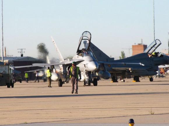 F-18 Hornet e Eurofighter Typhoon espanhóis - foto Força Aérea Espanhola