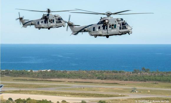 Helicópteros Caracal do EH 1-67 Pyrénée no  exercício Salamandre na Córsega - foto Força Aérea Francesa