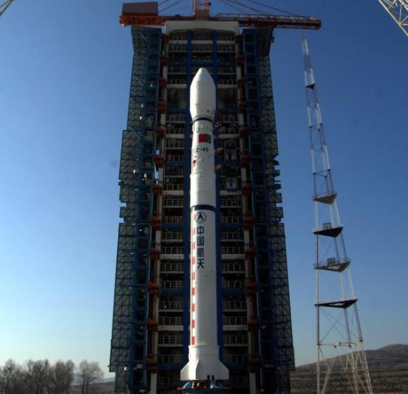 CBERS-3 integrado ao Longa Marcha 4B - foto INPE