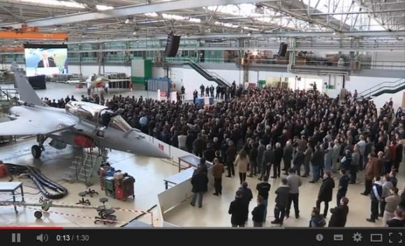 Cena vídeo lançamento Rafale F3R em Merignac - discurso CEO Eric Trappier - vídeo Dassault