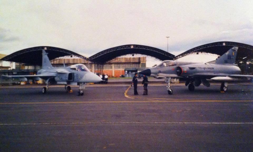 Gripen e Mirage IIIEBR