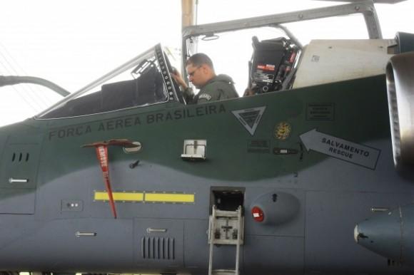 A-1M - esquadrão Adelphi recebe segunda unidade modernizada - foto FAB