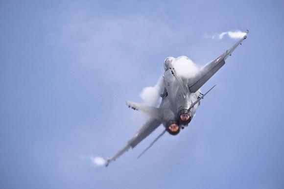 F-18 Hornet em apresentação solo - foto 2 Força Aérea Suíça