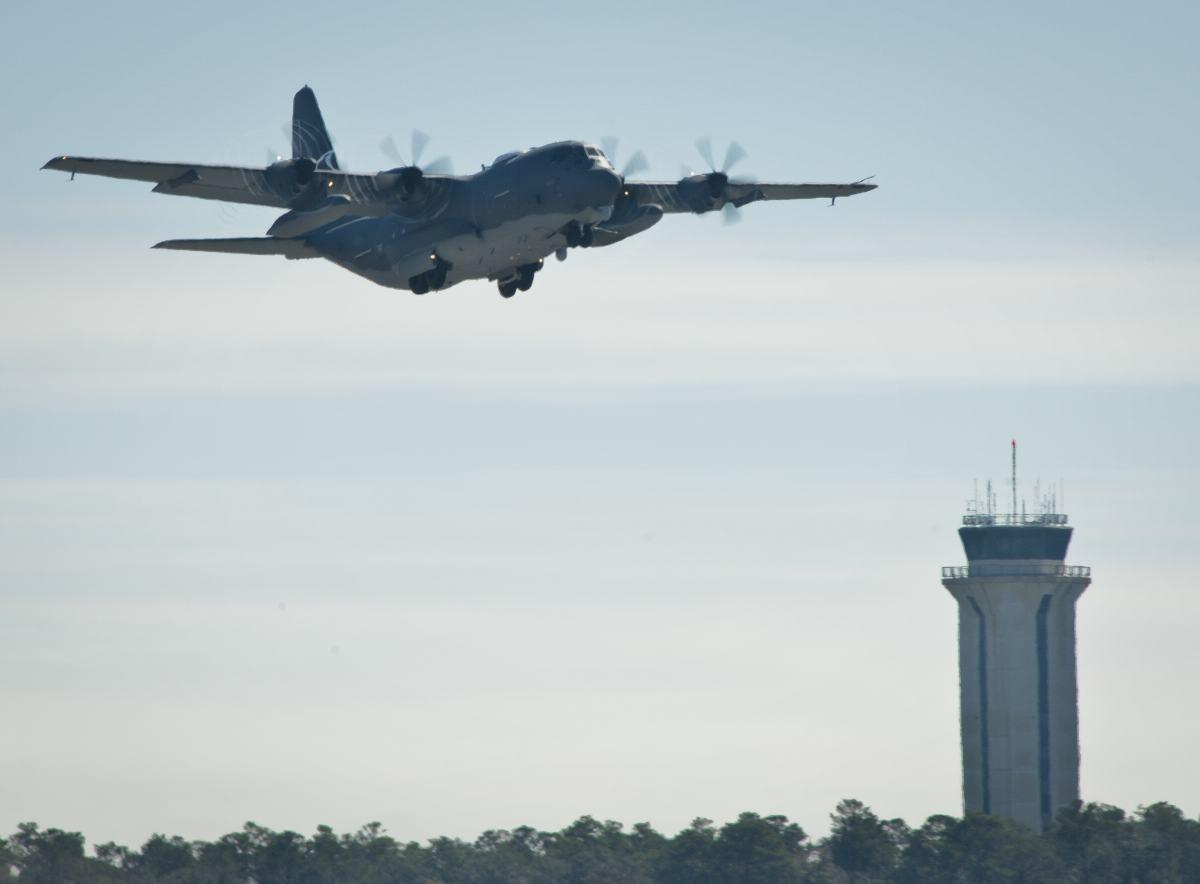 voa primeiro AC-130J 2 - foto USAF