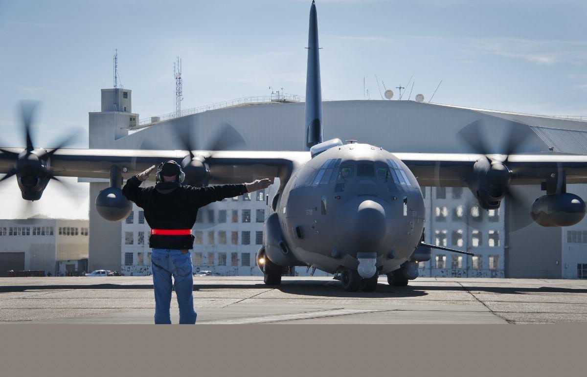 voa primeiro AC-130J - foto USAF