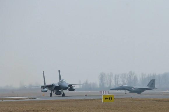 Caças F-15 C de reforço ao destacamento no Báltico - foto MD Lituânia
