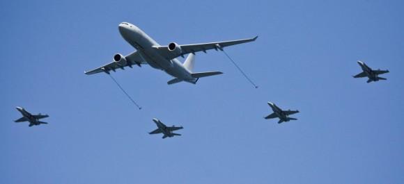 Hornets do 3 Sqn com KC-30A do 33 Sqn nos 100 anos aviação militar Austrália - foto 2 Dept Def Australia