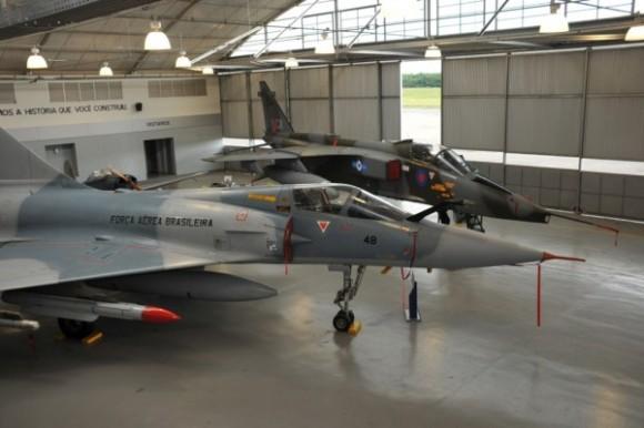 Caças Mirage 2000 e Sepecat Jaguar incorporados ao Musal - 25 abril 2014