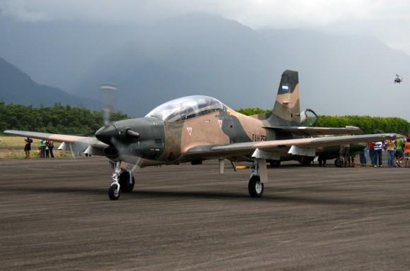 Embraer T-27 Tucano Fuerza Aerea Hondurena - FAH-258 - foto wikimedia N Mejía