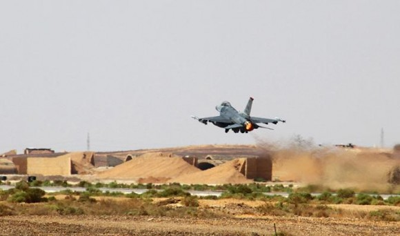 Exercício Eager Tiger 2014 - caça F-16 EUA - foto USAF
