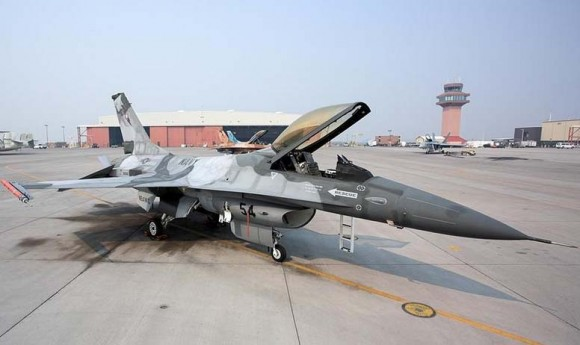 F-16 de adversary squadron na NAS Fallon - foto USN