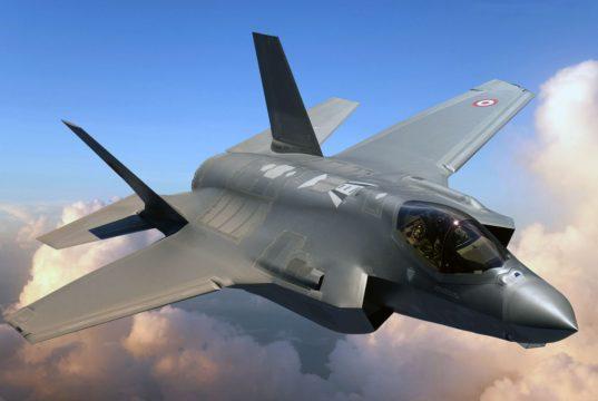 F-35 nas cores da Turquia - concepção artística via Code One Magazine - Lockheed Martin