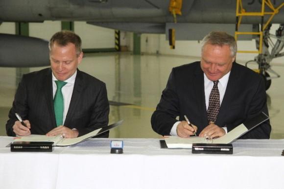 Gripen - assinatura extensão contrato de leasing - foto 2 MD República Tcheca