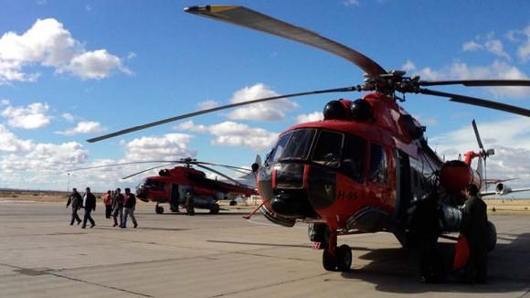 MI-17 argentino em ajuda humanitária - foto Força Aérea Argentina